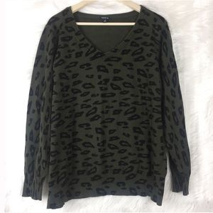Torrid green cheetah print v neck sweater size 4
